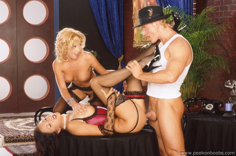 Секс игры с официанткой